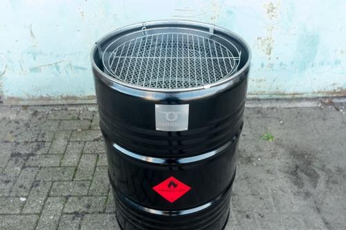 barrelq grilltonne grillfass aus edelstahl pellet grill selber bauen. Black Bedroom Furniture Sets. Home Design Ideas