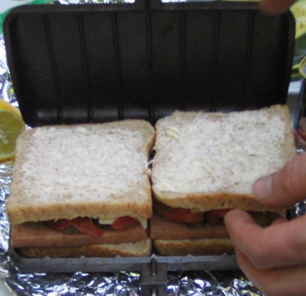 bild 20 bilder sandwichmaker waffeleisen feuerschalen schwenkgrills dutch oven. Black Bedroom Furniture Sets. Home Design Ideas