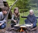 Schwenkgrill System aus Edelstahl für Lagerfeuer und Feuerschalen