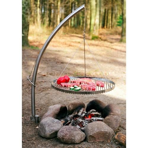 schwenkgrill mit h nger und rundem rost eisenbams online grill shop f r lagerfeuer bedarf. Black Bedroom Furniture Sets. Home Design Ideas